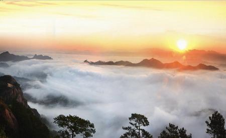 梧州市石表山休闲旅游风景区位于广西梧州市藤县境内,处在泛珠三角