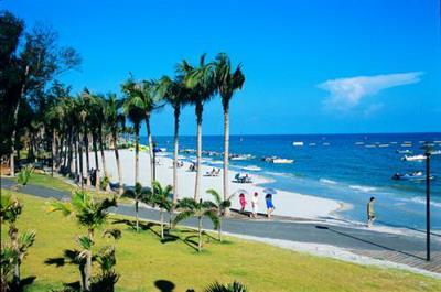 广西北海银滩度假村位于风景秀丽的北海银滩国家旅游度假区内
